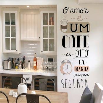Adesivo de Parede Frase O amor e um café